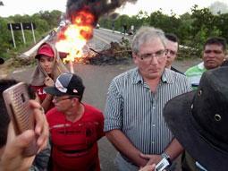 População Interdita BR 222 e DER manda representante e fecha acordo com manifestantes.