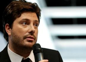 'Atribuo todo sucesso a Deus', diz apresentador Danilo Gentili