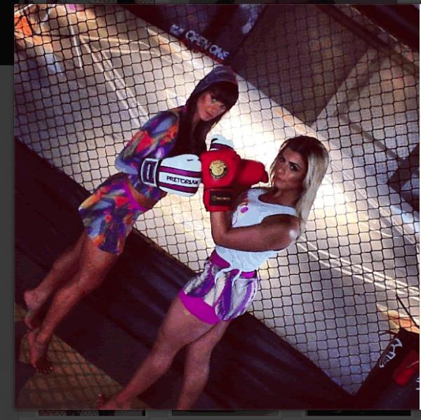 Babi Rossi e Carol Dias mostram boa forma em campanha de moda fitness