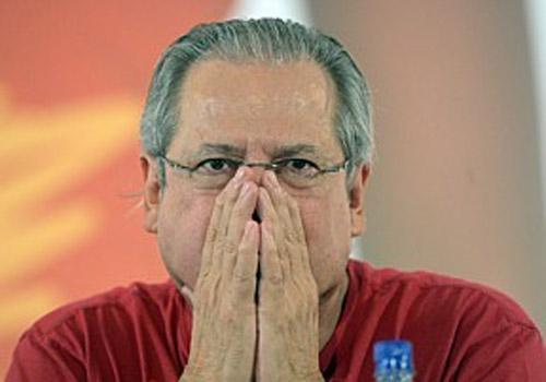 Barbosa vai decidir sobre suspeita de uso de celular por Dirceu em presídio