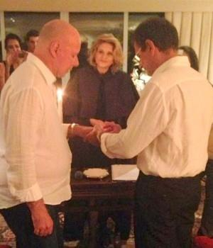 Após 41 anos de união, Gilberto Braga se casa com decorador em festa com muitos famosos