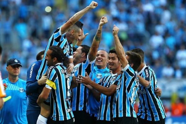 Barcos decide com três gols, Grêmio bate Juventude e avança às semifinais