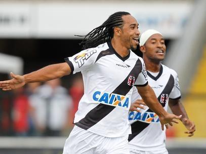 Com gol relâmpago, Vasco goleia, rebaixa o Duque de Caxias, mas ficam em terceiro