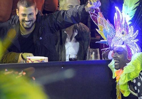 Cauã Reymond agita Carnaval na Argentina