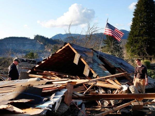 Deslizamento de terra deixa pelo menos 8 mortos nos Estados Unidos
