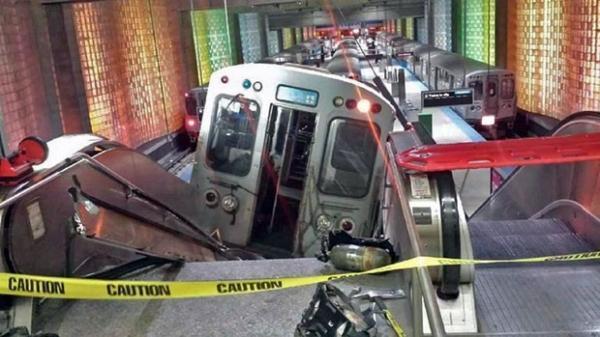 Trem descarrila e dezenas ficam feridos em aeroporto nos EUA