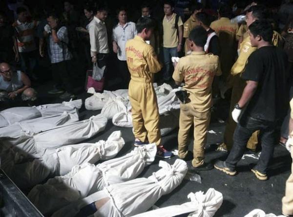 Acidente de ônibus na Tailândia mata pelo menos 30 pessoas