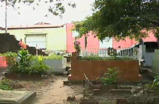 Cemitério do Promorar virou ponto de usuários de drogas e assaltos