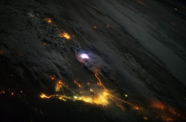 Instrumento da estação espacial ISS permite detectar raios do espaço