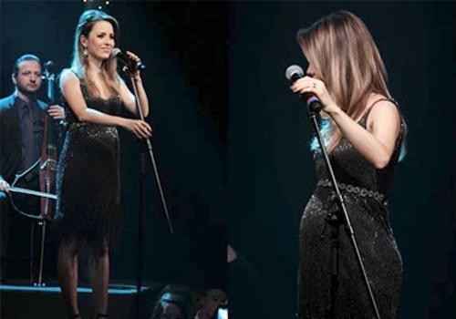 Sandy exibe barriguinha de grávida em gravação de programa musical de TV