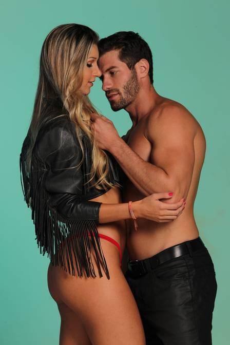 Ex-BBBs Poly e Roni fazem ensaio sensual juntos e falam da primeira noite de amor: ?Foi maravilhoso?