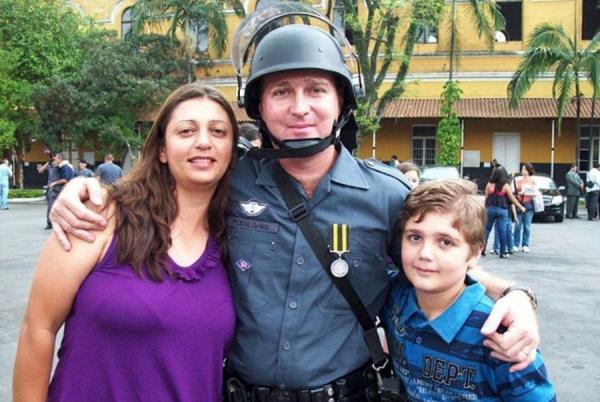 Pesseghini: família contesta versão da polícia