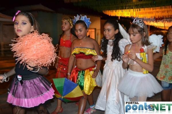 Prefeitura de Massapê promoveu Matinê carnavalesco para crianças, veja fotos!  - Imagem 2
