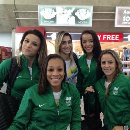 Jade viaja com a seleção após curtir noite de carnaval com Daniele Hypolito