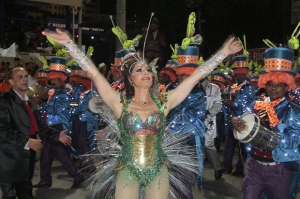 Na Grande Rio, Christiane Torloni mostra corpão em fantasia de 80 mil