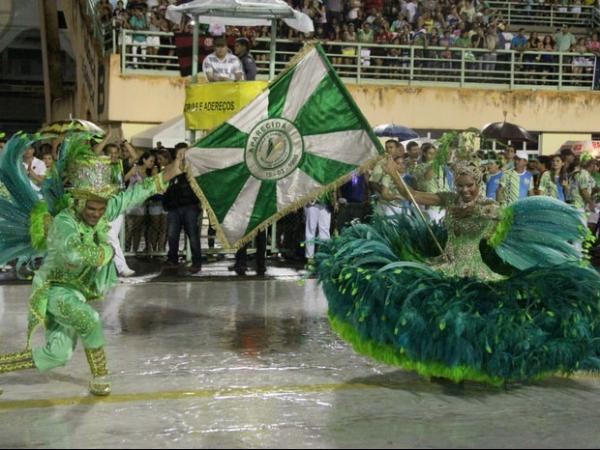 Todas as escolas de samba do grupo especial são as grandes campeãs do carnaval de Manaus