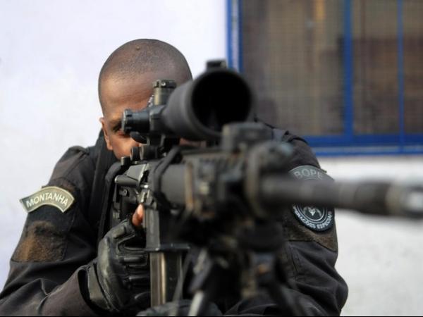 Conjunto de Favelas da Maré é ocupado para instalação de UPP