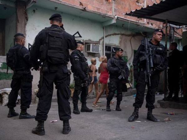 Forças de segurança ocupam Complexo da Maré em 15 min
