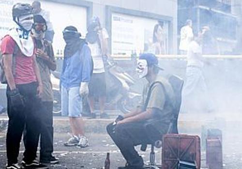 Governo venezuelano reconhece 81 casos de abusos contra manifestantes