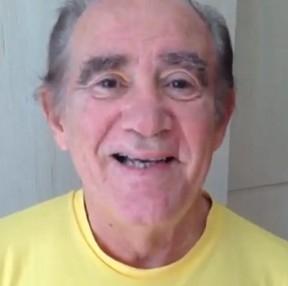 Renato Aragão continua estável e médicos já falam em alta, diz boletim