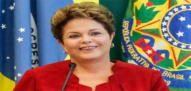 """""""Em abril estão chegando mais 3.745 médicos no país"""", afirma Dilma Rousseff sobre programa"""