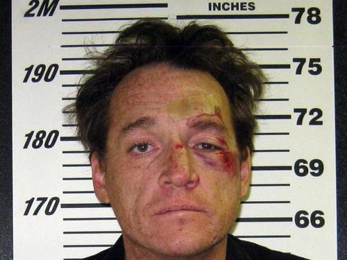 Bêbado rouba um avião para passear, briga com a polícia e é preso nos EUA