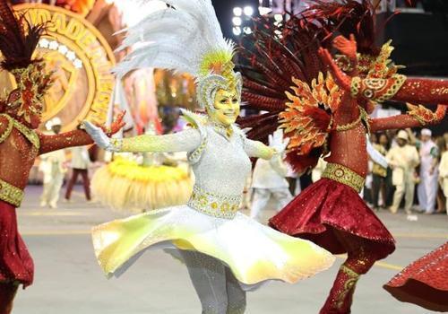 SP: Mocidade Alegre confirma hegemonia e é tri do Carnaval