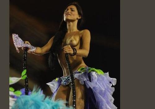 Transexual chama a atenção em desfile da Mocidade Independente de Padre Miguel