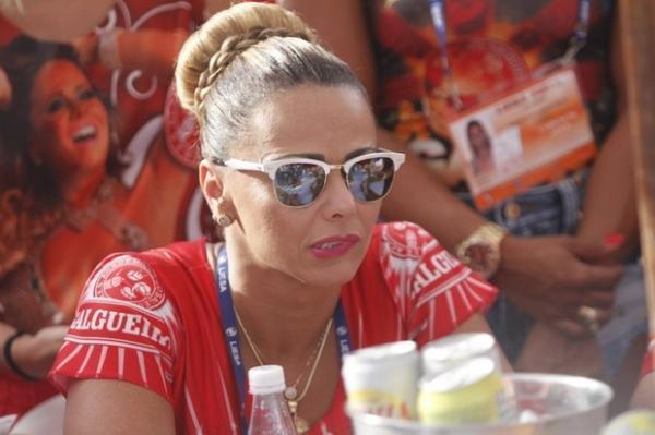 Viviane Ara仼o sofre com derrota do Salgueiro: