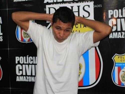 Homem admite morte do padrasto e diz que planejou crime quando era criança