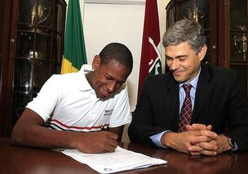 Joia do Fluminense e da seleção, meia Robert sofre acidente em Rio das Ostras e está no CTI