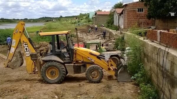 Prefeitura inicia reparos e manutenção do cais e rede de esgoto do município - Imagem 3