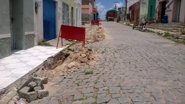 Prefeitura inicia reparos e manutenção do cais e rede de esgoto do município - Imagem 2