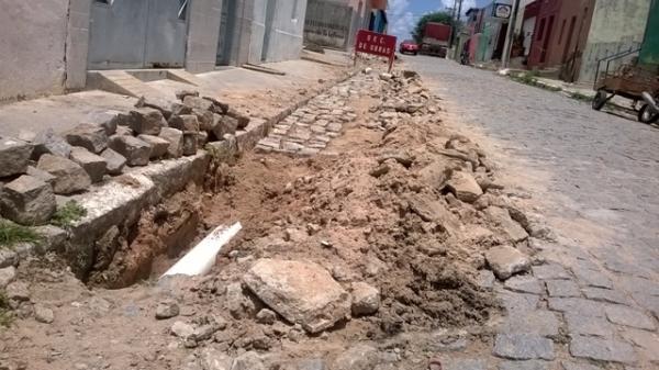 Prefeitura inicia reparos e manutenção do cais e rede de esgoto do município - Imagem 1