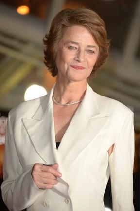 Beleza sem idade: Aos 68, Charlotte Rampling é o novo rosto da Nars