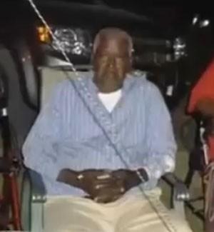 Homem declarado morto nos EUA dá chute e escapa de saco na funerária
