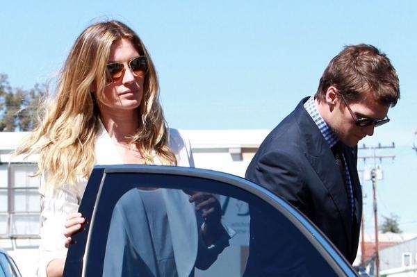 Gisele Bündchen e Tom Brady batizam Vivian em igreja nos EUA
