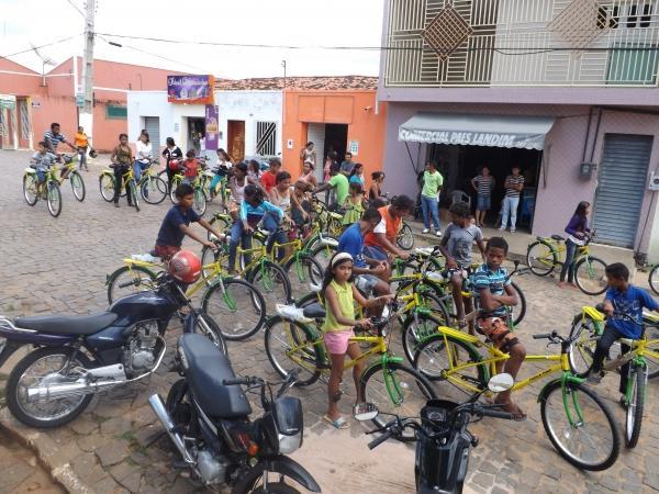 Prefeitura de Caracol entrega bicicletas do Pedala Piauí - Imagem 2