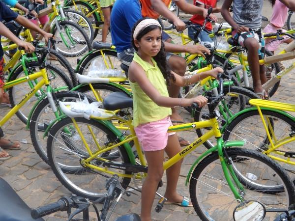 Prefeitura de Caracol entrega bicicletas do Pedala Piauí - Imagem 17