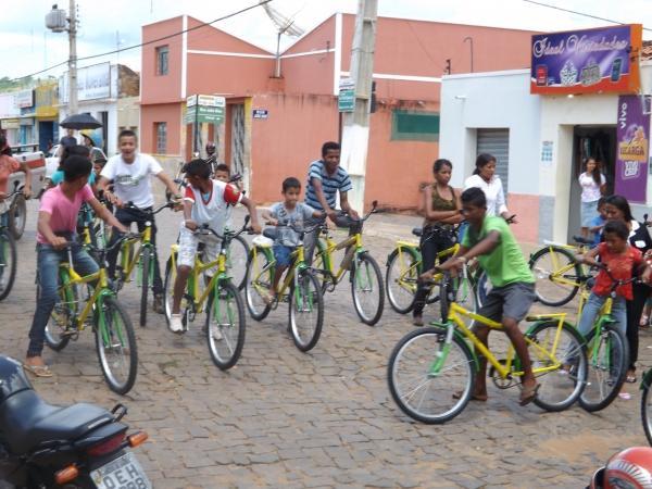 Prefeitura de Caracol entrega bicicletas do Pedala Piauí - Imagem 1