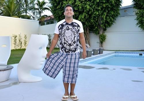 André Marques mostra como perdeu  56 quilos e revela: