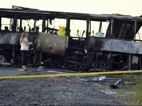 Acidente com ônibus escolar, carro e caminhão deixa mortos nos EUA