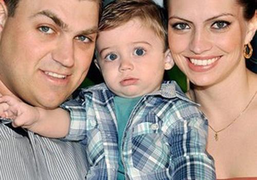 Família morta em batida levava bebê ao pediatra; velório mobiliza cidade