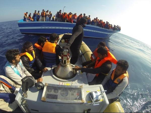 Seis mil imigrantes ilegais são resgatados no Mediterrâneo em 4 dias