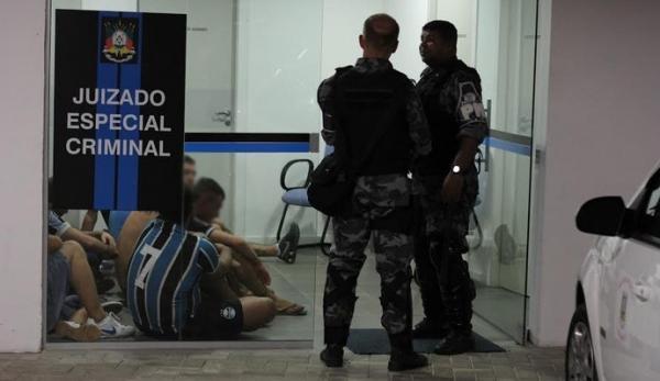 Torcedores são detidos por briga na Arena e Grêmio corre risco de punição