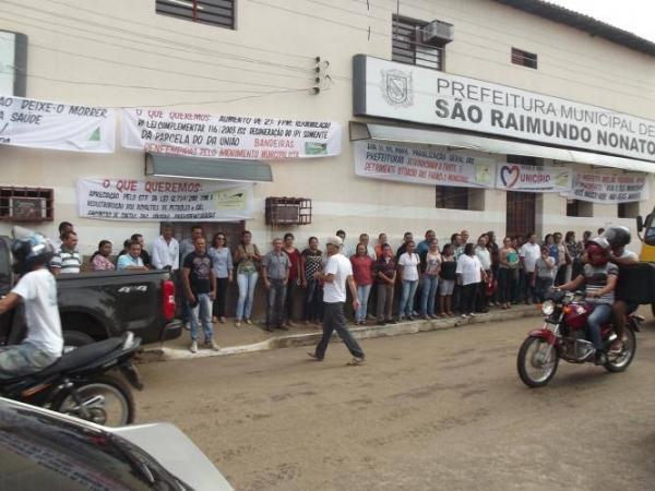 Em um ato de protesto Prefeitura de São Raimundo Nonato fechou as portas nesta sexta-feira