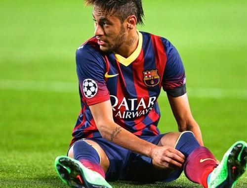 Neymar é recebido com gritos racistas após derrota do Barça