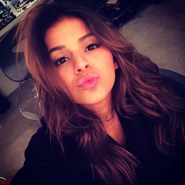 No dia do beijo, Neymar e Marquezine mandam o mesmo recado na web