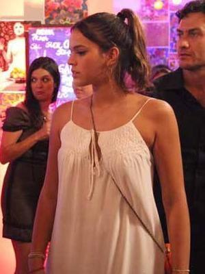 Vestido de Bruna Marquezine é figurino mais pedido da Globo