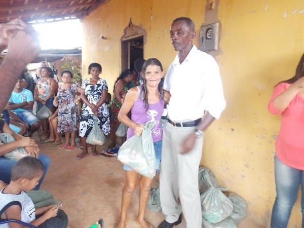 Vice-prefeito mantém a tradição de distribuição de cestas básicas na semana santa. - Imagem 3